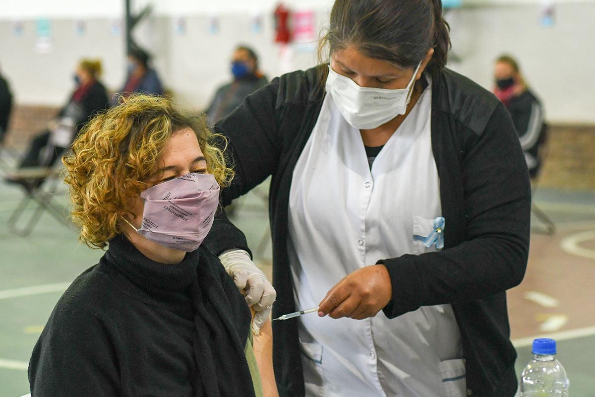 El país superó a Estados Unidos en el porcentaje de población vacunada con al menos una dosis